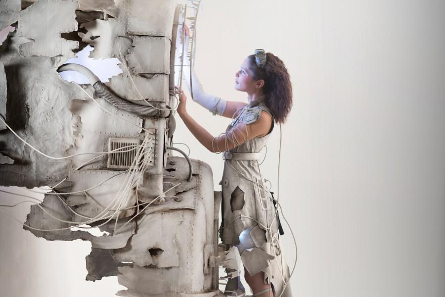 Comédiens : Leïa Chamarthieu & Cédric ThisseDesign & scénographie : Astrid De GeuserCoiffeur : Greg MastrostefanoMaquilleuse : Clémentine AubinStylisme : Astrid de Geuser