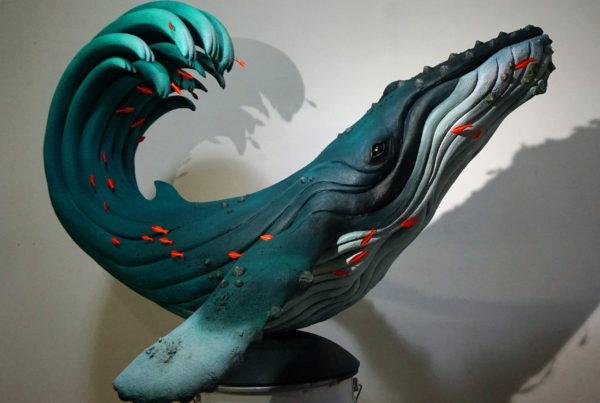 Baleine à vagues
